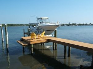 Choose a No Profile Boat Lift