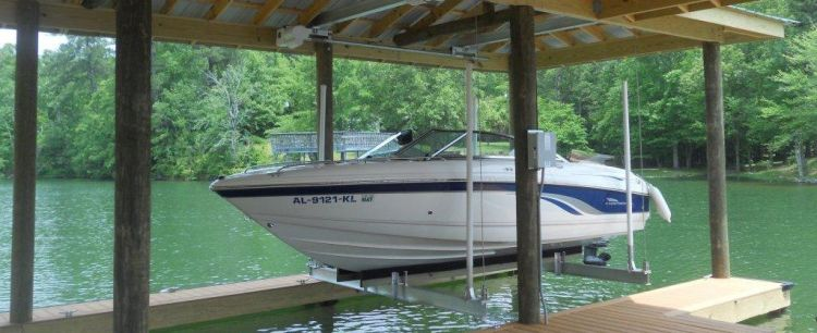 Custom Boat Lifts | Clearwater | Priority Marine